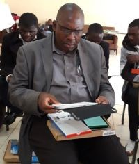 Pastor using the LEARN app